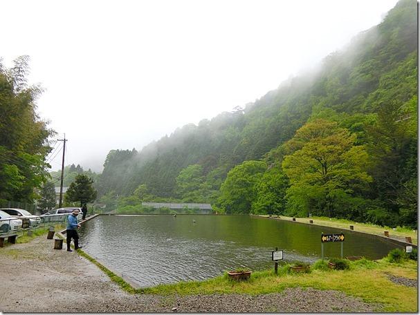 千早川マス釣り場1個目の池