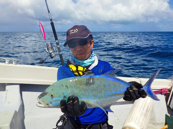 パラオGT釣行1日目友人がカスミアジをゲット!