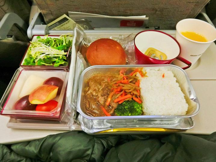 パラオに行く際の飛行機の機内食が美味しかった
