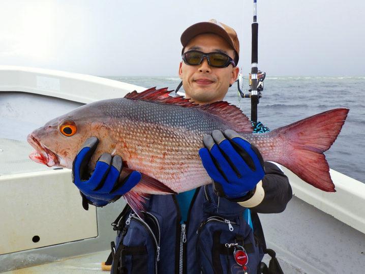 パラオGT釣り2匹目のレッドスナッパー(バラフエダイ)2