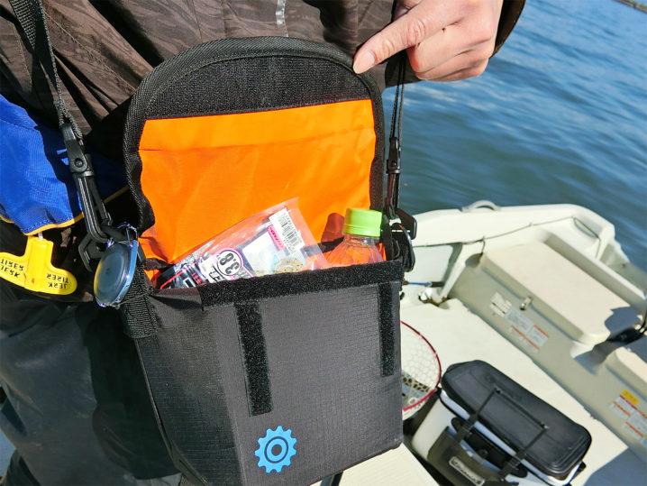 ブラックバス釣りのボート釣りで超便利!コンパクトなショルダーバッグ