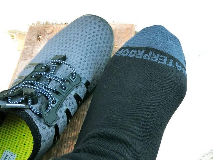 長靴より蒸れなくて快適な防水透湿靴下