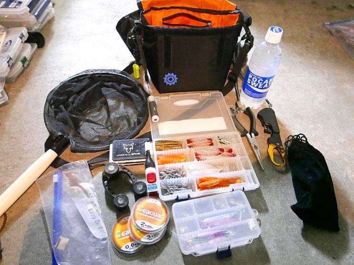 テトラや地磯でのルアーフィッシングで嬉しいコンパクトなショルダーバッグ2