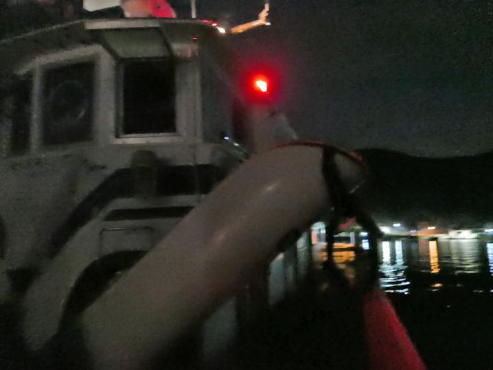 午前4時30分に江村渡船を使って沖磯にエギングへ