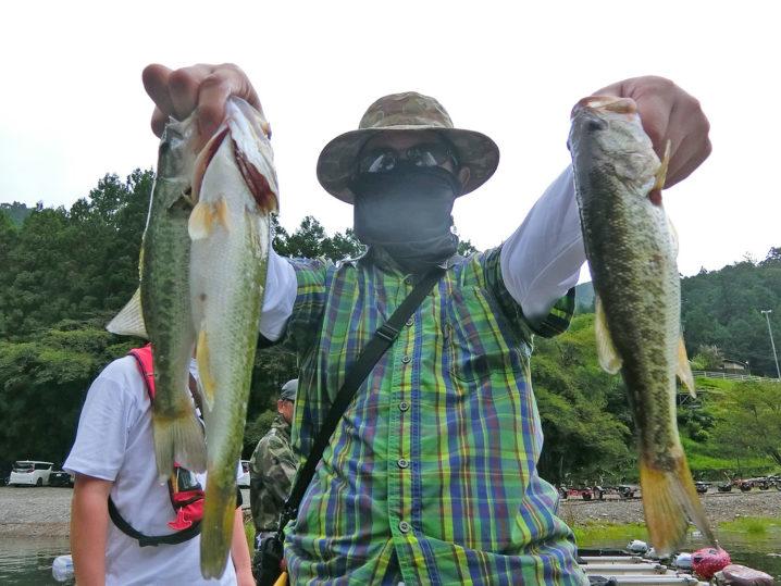 釣れ釣れさんの9月中旬七色ダムのブラックバス釣りの様子