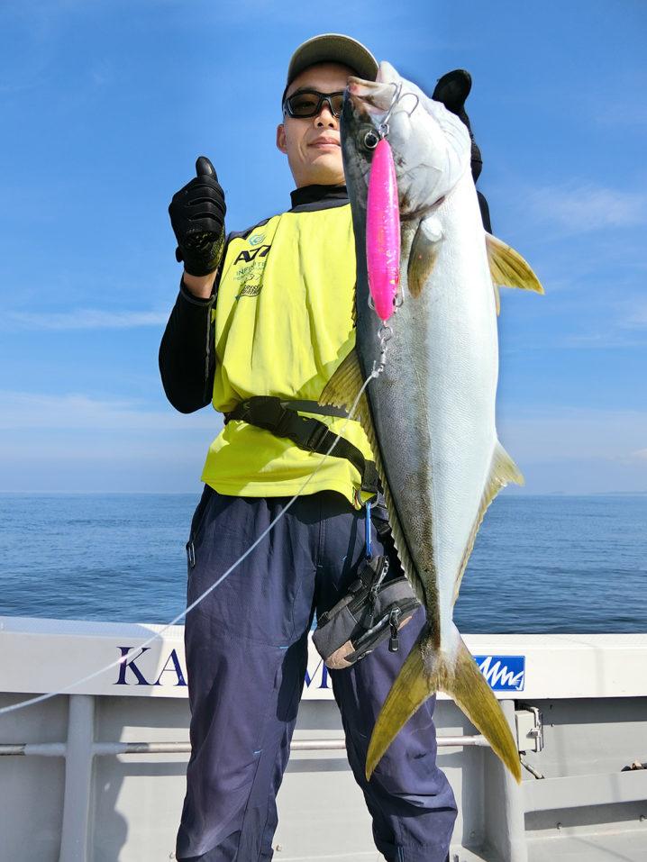 ローデッドF140でレギュラーサイズのヒラマサを釣り上げる!