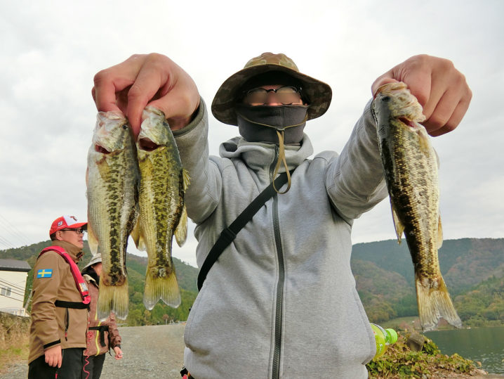 釣れ釣れさんの11月中旬大浦湾・奥出湾のブラックバス釣りの様子