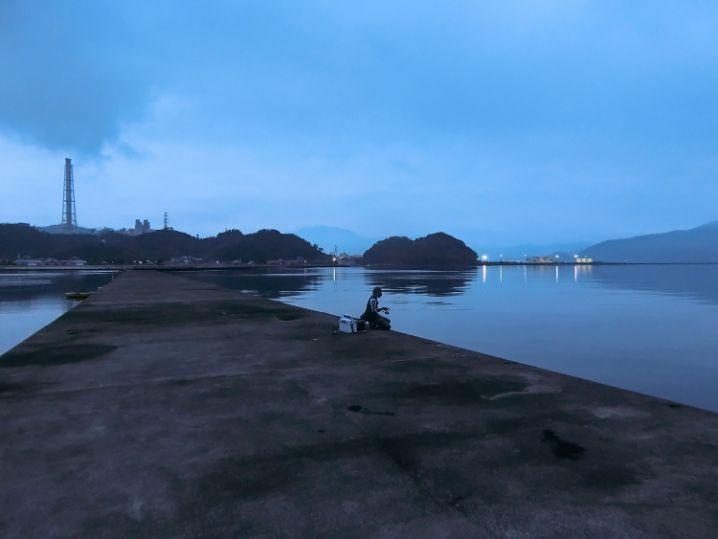 夜明けと共に釣り開始