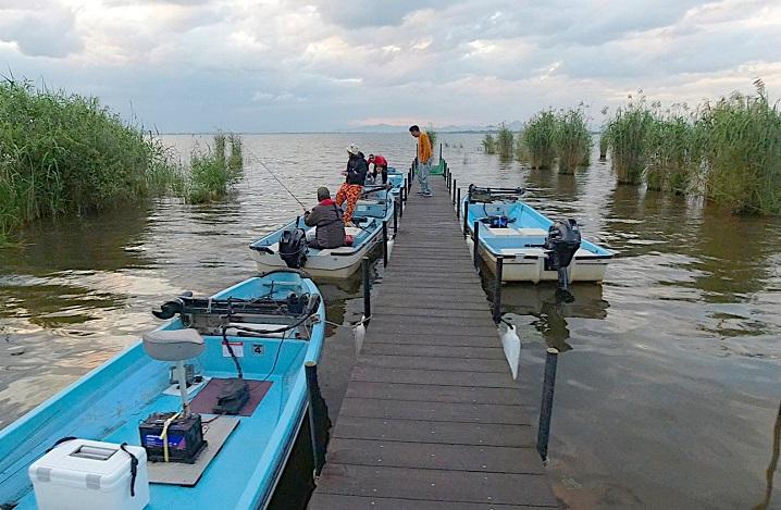琵琶湖全域が釣りエリア・レンタルボートは【ひさの屋】で借りました