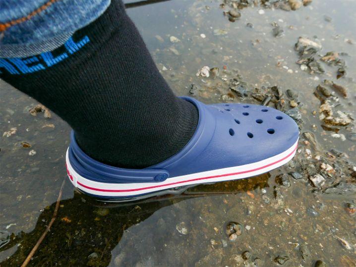 雨降りで靴下が濡れるかも?な時は【防水透湿靴下】を選ぶと快適