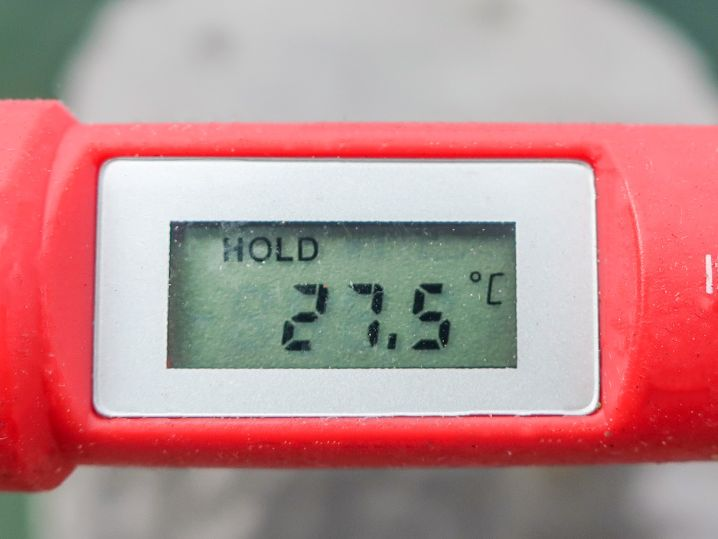 海水温は約27.5度