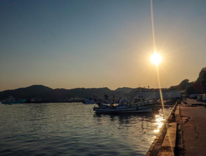 夕方の坊勢島に到着3