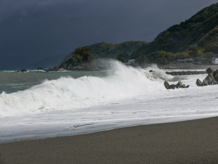 荒天に強い海上釣堀