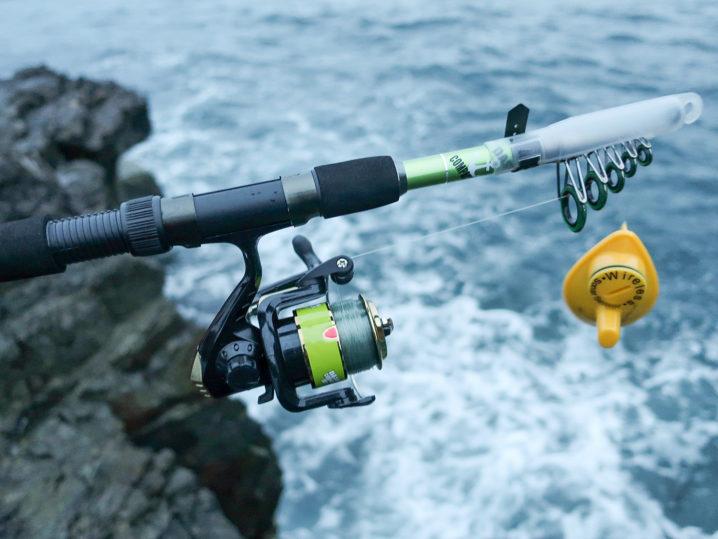 携帯用魚群探知機で磯周りの水深をチェック!