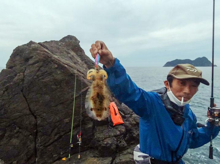ここから友人が次々にアオリイカを釣り上げる!